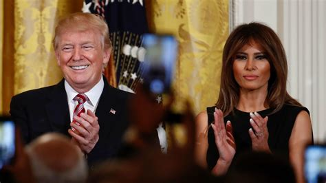 How much love is in the Trump marriage? - Chicago Tribune